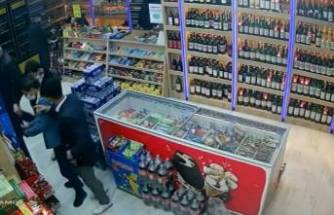 Bursa'da tekel bayisine müşteri kılığında girip hırsızlık yaptılar