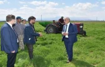 Yenişehir Belediyesi'nden çiftçilere destek