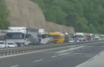 Bursa-Ankara karayolunda trafik durdu!
