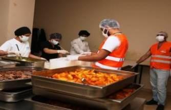 Bursa Nilüfer'de vatandaşa sıcak yemek desteği