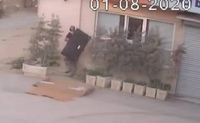 Bursa'da hırsızlık! Televizyonu böyle çaldı