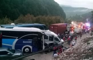 Bursa'da zincirleme kaza! Ölü ve yaralılar var