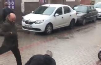 Bursa'da tapu müdürlüğü önünde dehşet anları kamerada!