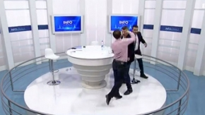 İki milletvekili canlı yayında birbirine girdi! Stüdyo ringe döndü!