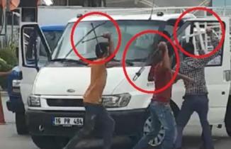 Bursa'da levye ve satırlı kavga kamerada! Organize sanayi bölgesi karıştı!