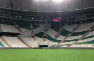 Bursa Büyükşehir Belediye Stadyumu İstiklal Marşı ile inledi!
