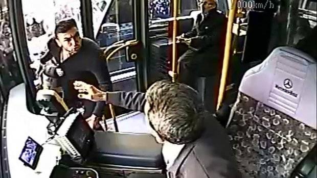 Burak Yılmaz otobüs şoförü ile kavga etti!