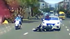 Feci kaza! Önce otomobil ardından motosiklet çarptı!