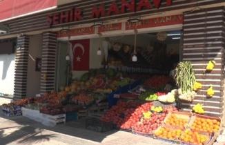 Bursa'da manava dadanan hırsız kamerada